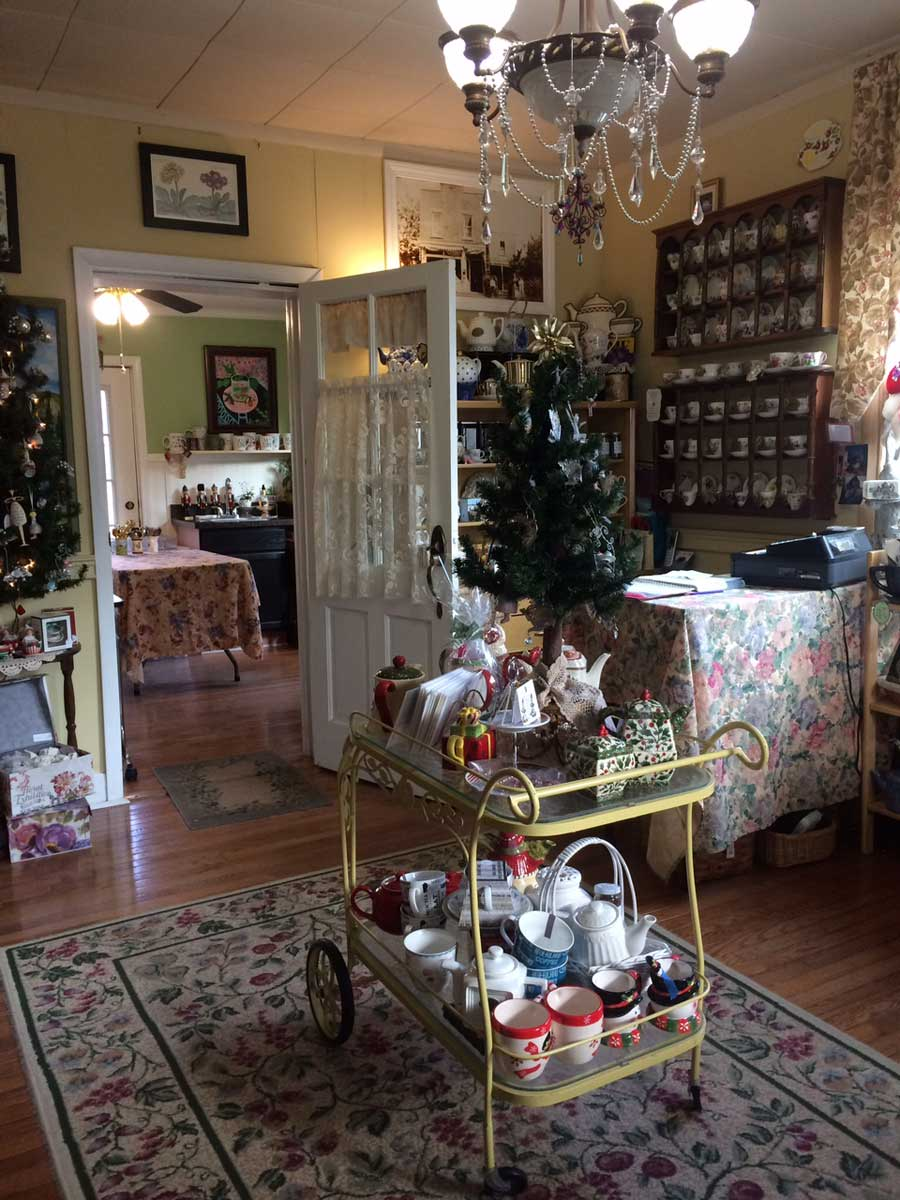 Emerald Necklace Inn - Gift Room