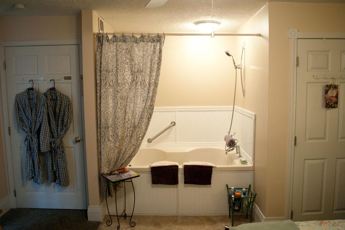 Emerald Necklace Inn Parkview Suite