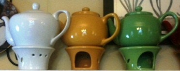 Emerald Necklace Inn - Solid Color Teapots