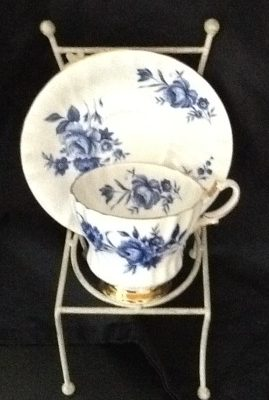 emerald-necklace-inn-teacups-c005