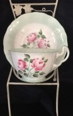emerald-necklace-inn-teacups-c019