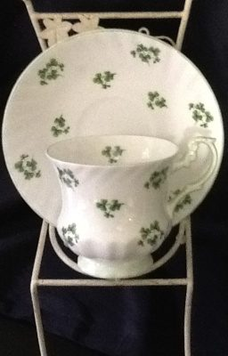 emerald-necklace-inn-teacups-c166